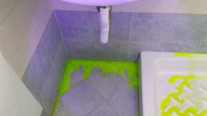 Verifica-tenuta-pavimento-bagno